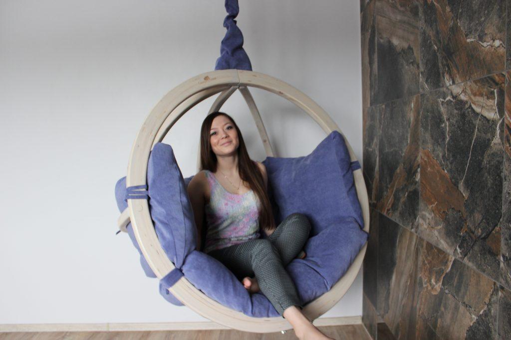 подвесное кресло в интерьере