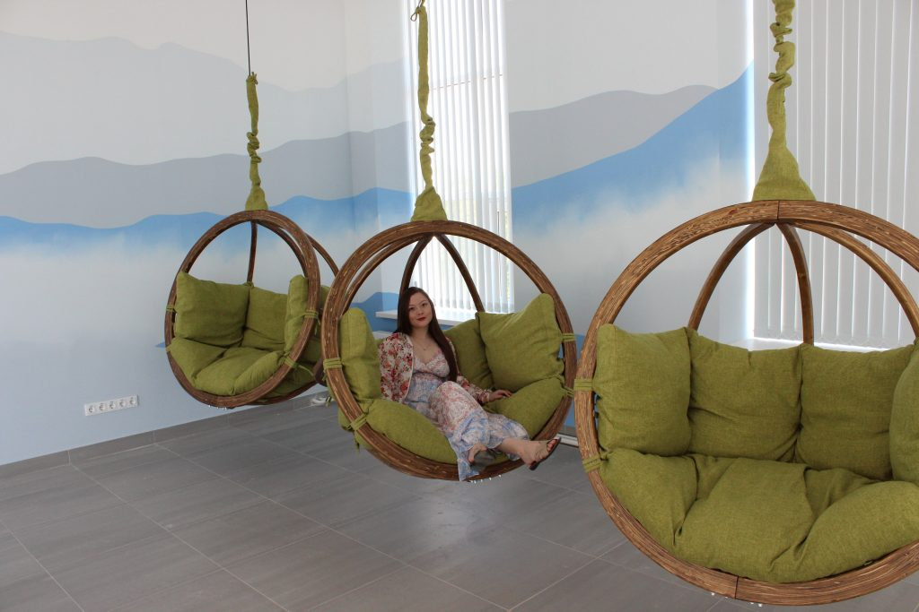 плетеное подвесное кресло
